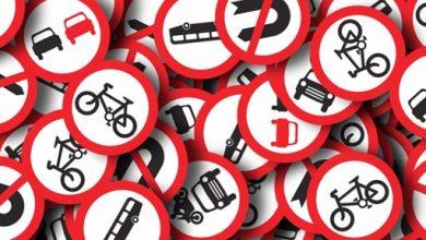Dopravní značky na silnici
